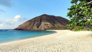 10 Objek Wisata Di Pantai Gading Wajib Anda Kunjungi
