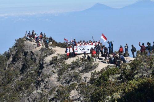 Inilah Gunung di Jawa Favorit para Pendaki